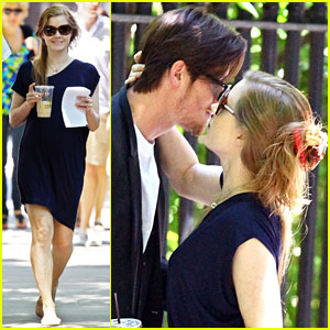 Amy Adams & Garrett Hedlund: 'Lullaby' Kisses!