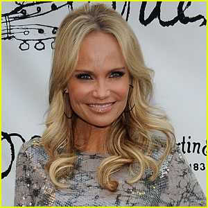 Kristin Chenoweth: 'Good Wife' Recurring Role!
