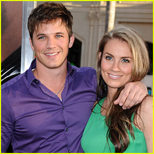 Matt Lanter: Engaged to Angela Stacy!