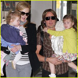 Nicole Kidman & Keith Urban: Flight with the Family!