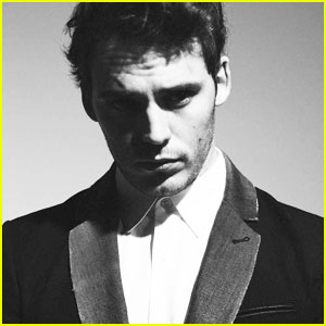 Sam Claflin: 'Flaunt' Feature for Denim Issue