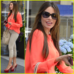 Sofia Vergara: Cute in Coral