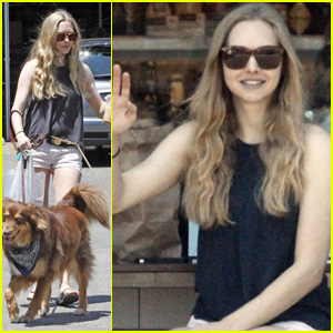 Amanda Seyfried: Oaks Gourmet Market Girl!