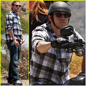 Charlie Hunnam: Hollywood Motorcycle Man!