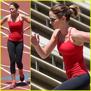 Emily Blunt: Wicked Wednesday Workout!