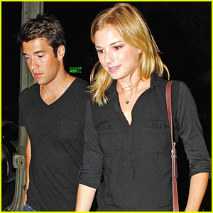 Emily VanCamp &#038; Josh Bowman: Jennifer Jason Leigh Joins 'Revenge'