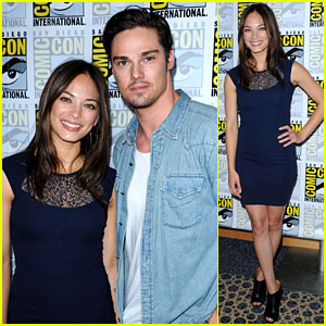 Kristin Kreuk & Jay Ryan: 'Beauty & the Beast' at Comic-Con!