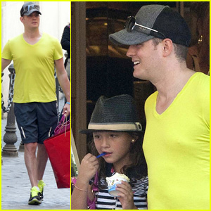 Michael Buble: Roman Shopping Spree!