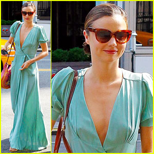 Miranda Kerr: Early Morning Maxi Dress!