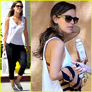 Rachel Bilson: House Hunting in Brentwood!