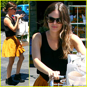 Rachel Bilson: Whole Foods Grocery Shopping!