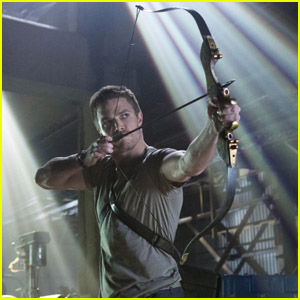 Stephen Amell: 'Arrow' Stills!