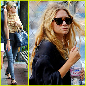 Ashley Olsen & Sisters Love Bar Pitti!