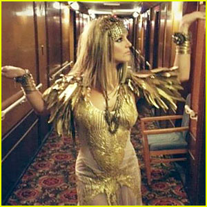 Britney Spears: Cleopatra for Elizabeth Arden Fragrance Shoot!