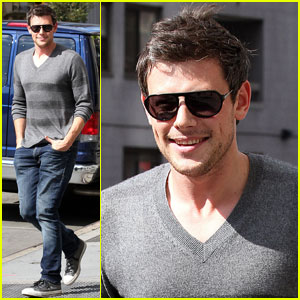 Cory Monteith: Big Apple Stroll