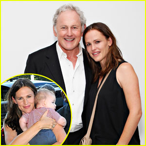 Jennifer Garner & Victor Garber: 'Alias' Reunion in NYC!