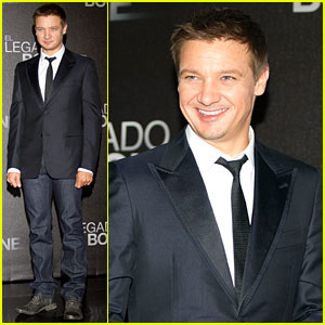 Jeremy Renner: 'Bourne Legacy' Mexico City Photo Call!