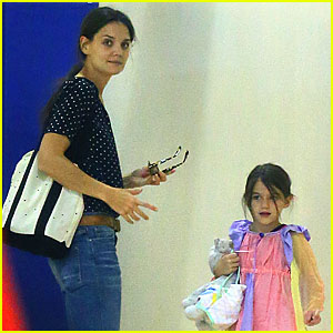 Katie Holmes: Chelsea Piers with Suri!