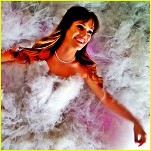 Lea Michele: White Gown Gorgeous!