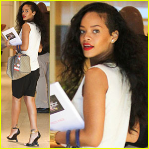 Rihanna: Robert Pattinson Likes 'We Found Love' Video!