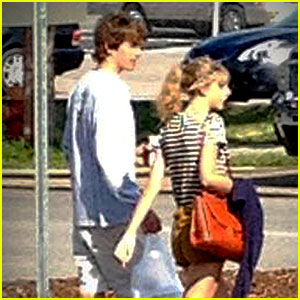 Taylor Swift: Nashville Stroll with Conor Kennedy!
