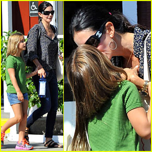 Courteney Cox: Kisses for Coco!