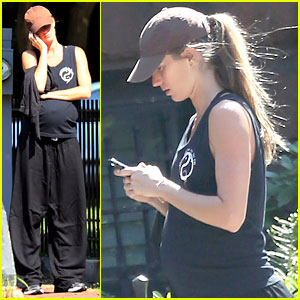 Gisele Bundchen: Tai Chi Workout!