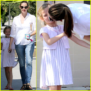 Jennifer Garner: Kisses for Violet!