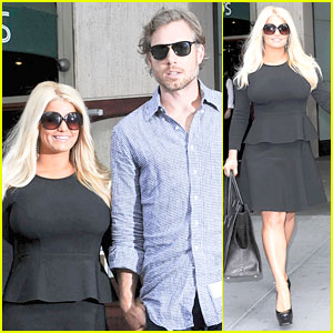 Jessica Simpson's Weight Watchers Commercial - Watch Now!