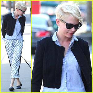 Michelle Williams Walks Lucky in Portland!