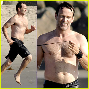 Stephen Moyer: Shirtless in Venice Beach!