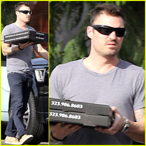 Brian Austin Green: Lucifers Pizza To-Go!