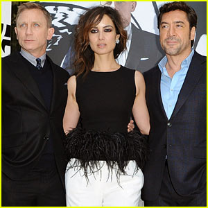 Daniel Craig & Javier Bardem: 'Skyfall' Paris Photo Call!