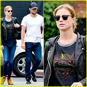 Emily VanCamp & Josh Bowman: Grocery Shopping Duo!
