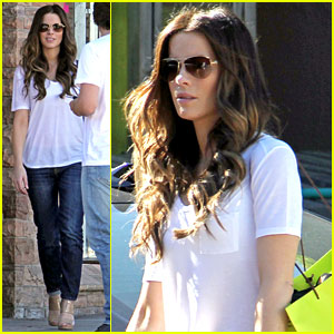 Kate Beckinsale: Planet Blue Shopper!