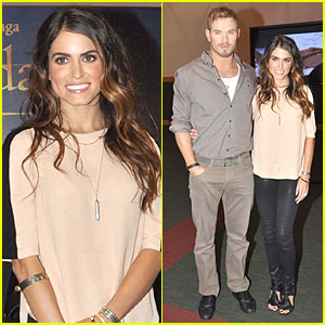 Kellan Lutz & Nikki Reed: 'Twilight Saga: Breaking Dawn - Part 2' Signing Session