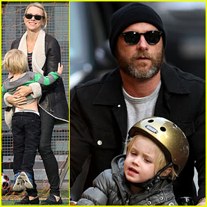 Naomi Watts & Liev Schreiber: Soccer Afternoon with the Kids!