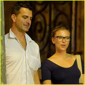 http://cdn02.cdn.justjared.com/wp-content/uploads/headlines/2012/10/scarlett-johansson-nate-naylor-split.jpg