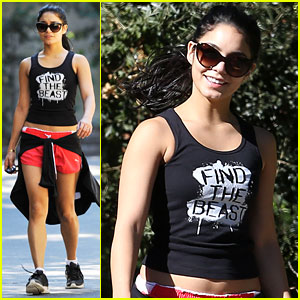 Vanessa Hudgens: Hiking with Stella!