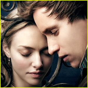 Amanda Seyfried & Eddie Redmayne: New 'Les Miserables' Poster!