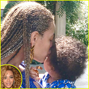 Beyonce: Forehead Kisses for Blue Ivy!
