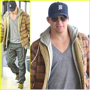 Channing Tatum Flies Out of Los Angeles