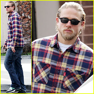 Charlie Hunnam: Post Office Stop!