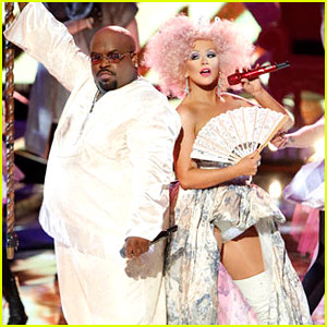 Christina Aguilera & Cee Lo Green: 'Make the World Move' Performance on 'The Voice'!