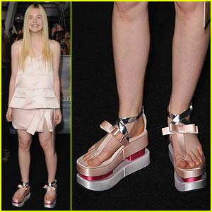 Elle Fanning: 'Twilight' Breaking Dawn Part 2 Premiere!