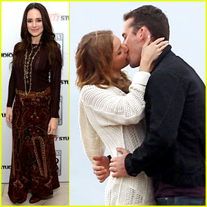 Emily VanCamp & Barry Sloane: Rainy 'Revenge' Kiss!