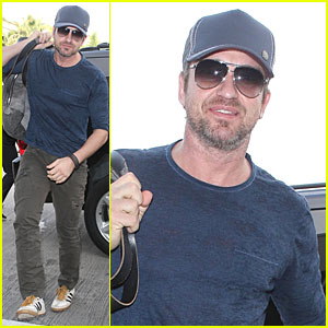 Gerard Butler Shares First Moment When He Learned Flirting!