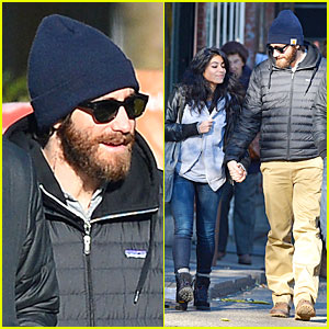 Jake Gyllenhaal Holding Hands with Mystery Gal in New York City!