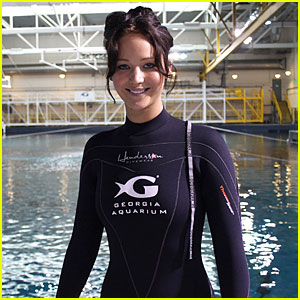 Jennifer Lawrence: Ocean Voyager Swimmer!