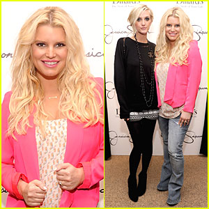 Jessica Simpson & Ashlee Simpson: Jessica Simpson Collection Promotion in Florida!